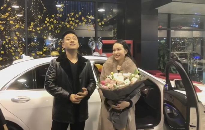 Nhiều ca sĩ Việt dễ dàng tậu siêu xe - Ảnh 1.