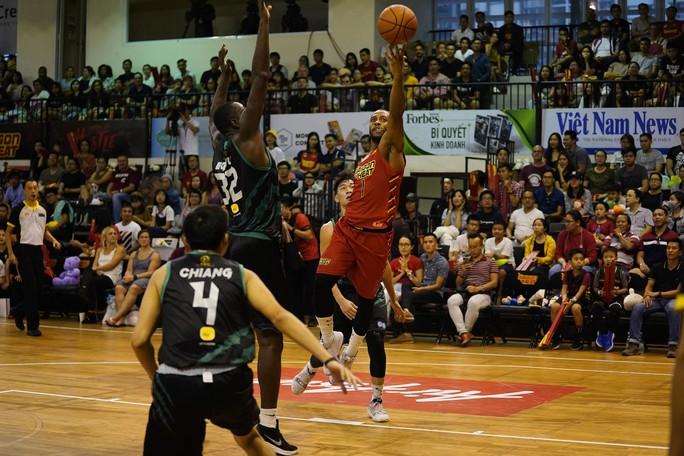 Saigon Heat vững ngôi nhì bảng - Ảnh 1.