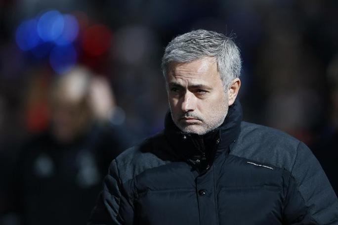 """Mourinho dùng """"quá khứ huy hoàng"""" đáp trả chỉ trích - Ảnh 1."""