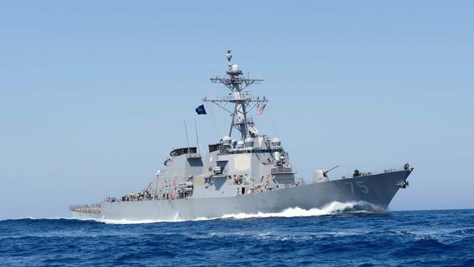 Nga phái tàu hộ vệ tên lửa kè sát chiến hạm Mỹ vào biển Đen - Ảnh 1.