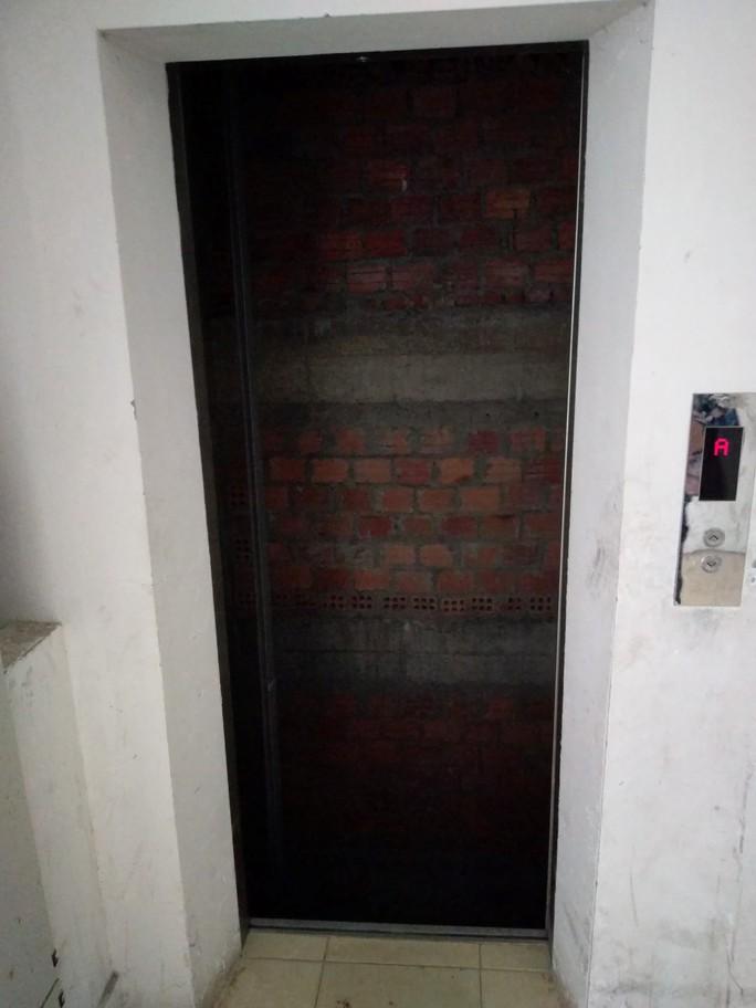Vụ thang máy không có cabin: Đơn vị bảo trì chưa thực hiện đúng quy trình - Ảnh 1.
