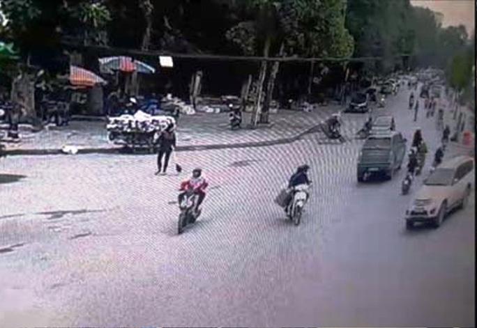 """Trích xuất camera không có việc CSGT Thanh Hóa """"quăng lưới"""" trúng học sinh té ngã - Ảnh 3."""