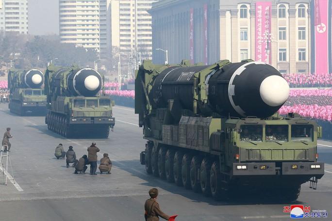 Triều Tiên bất ngờ bị khui một căn cứ tên lửa bí mật - Ảnh 1.
