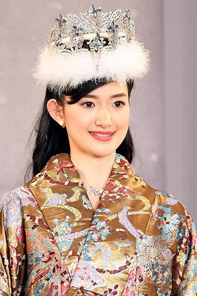 Tranh cãi nhan sắc của tân Hoa hậu Nhật Bản - Ảnh 2.