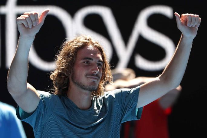 Giải Quần vợt Úc mở rộng: Ấn tượng với lãng tử Tsitsipas - Ảnh 1.