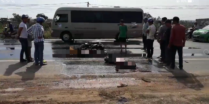 Bình Thuận: Xe khách tông trực diện xe máy, 2 người chết - Ảnh 2.