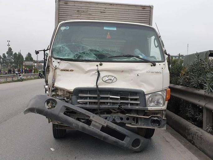 Vụ xe tải tông 8 người chết: Tước giấy phép kinh doanh hãng xe - Ảnh 1.