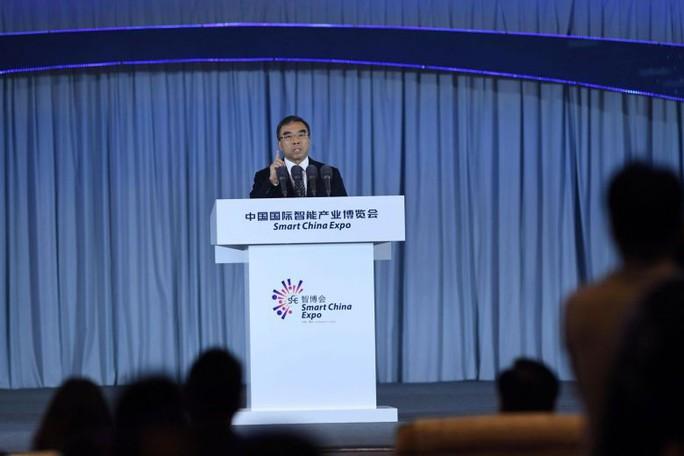 """Chủ tịch Huawei dọa """"các quốc gia thù địch"""" - Ảnh 1."""