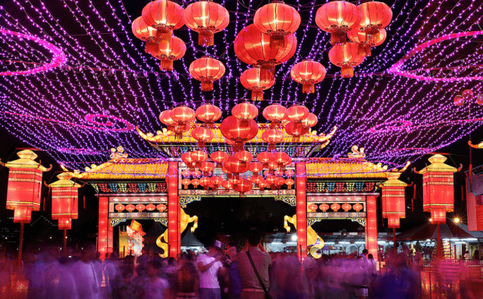 Ngày càng nhiều người Việt thích ăn Tết ở nước ngoài - Ảnh 1.