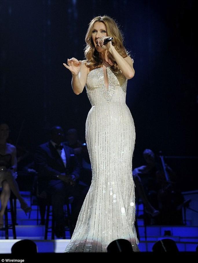 Sốc với thân hình gầy nhom của họa mi Celine Dion - Ảnh 6.