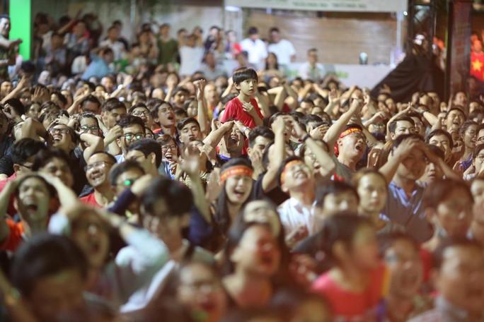 Dừng bước trước bán kết Asian Cup: Tiếc nuối, kỳ vọng tuyển Việt Nam - Ảnh 2.
