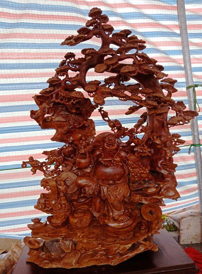 """""""Choáng"""" với bức tượng Phật Di Lặc bằng gỗ hương giá 1,2 tỉ đồng - Ảnh 11."""