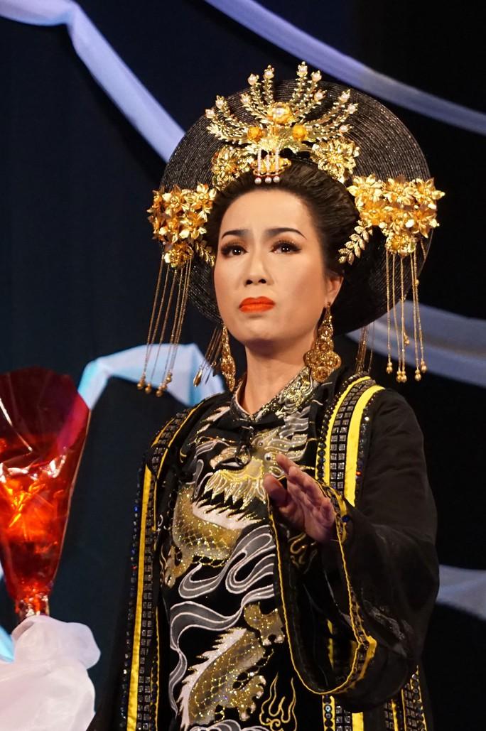 Thái hậu Dương Vân Nga: Từ lịch sử đến nghệ thuật - Ảnh 4.