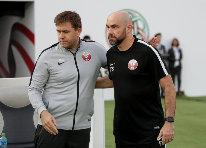 Clip: Cú sút sấm sét đưa Qatar vượt Hàn Quốc, lần đầu vào bán kết Asian Cup - Ảnh 2.