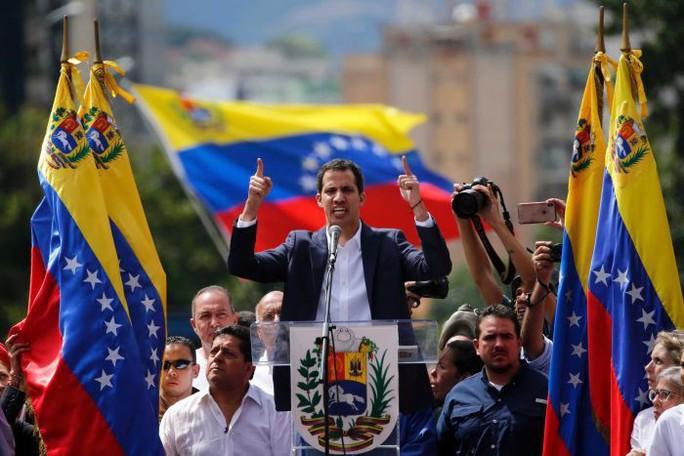 Ông Putin lên tiếng, quân đội Venezuela ủng hộ ông Maduro - Ảnh 3.