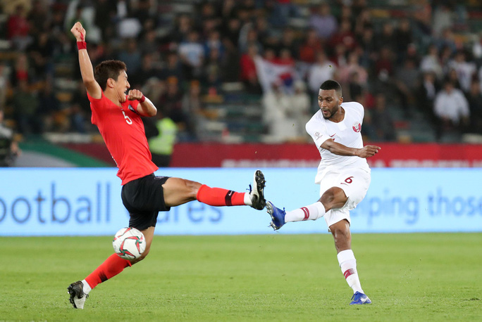 Clip: Cú sút sấm sét đưa Qatar vượt Hàn Quốc, lần đầu vào bán kết Asian Cup - Ảnh 6.