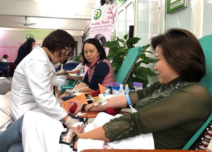 Bệnh viện Việt Đức lo không đủ máu cứu nạn nhân tai nạn giao thông - Ảnh 3.