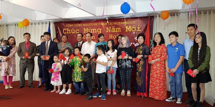 Người Việt tại Mozambique gặp gỡ mừng Xuân Kỷ Hợi - Ảnh 5.