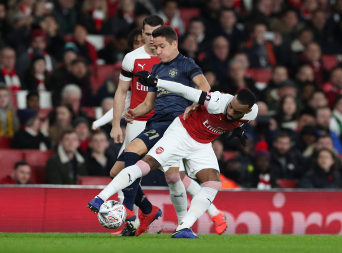Quật ngã Arsenal, Man United thẳng tiến vòng 5 FA Cup - Ảnh 2.