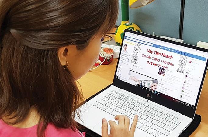 Cảnh báo dịch vụ vay trực tuyến thu thập Zalo, Facebook của khách - Ảnh 1.
