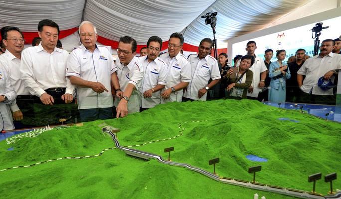 Malaysia hủy dự án 20 tỉ USD với Trung Quốc - Ảnh 1.
