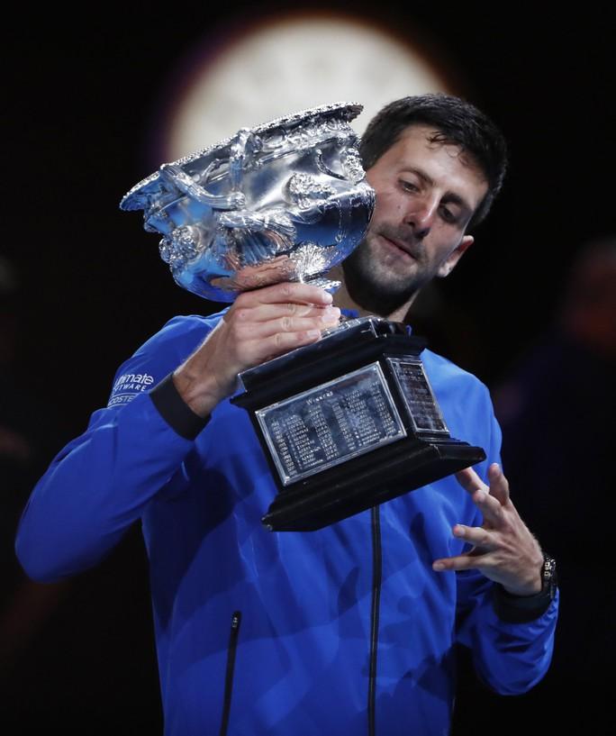 Clip: Thắng áp đảo Nadal, Djokovic lập kỷ lục vô địch ở Úc mở rộng - Ảnh 4.