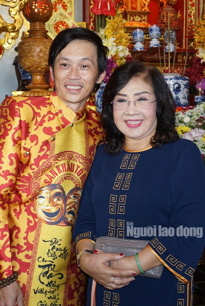 Danh hài Hoài Linh... làm thơ tặng bạn đọc Giải Mai Vàng, tri ân nghệ sĩ - Ảnh 8.