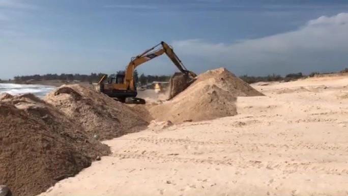Bình Thuận: Khẩn trương khắc phục tình trạng xâm hại bãi đá 7 màu - Ảnh 3.