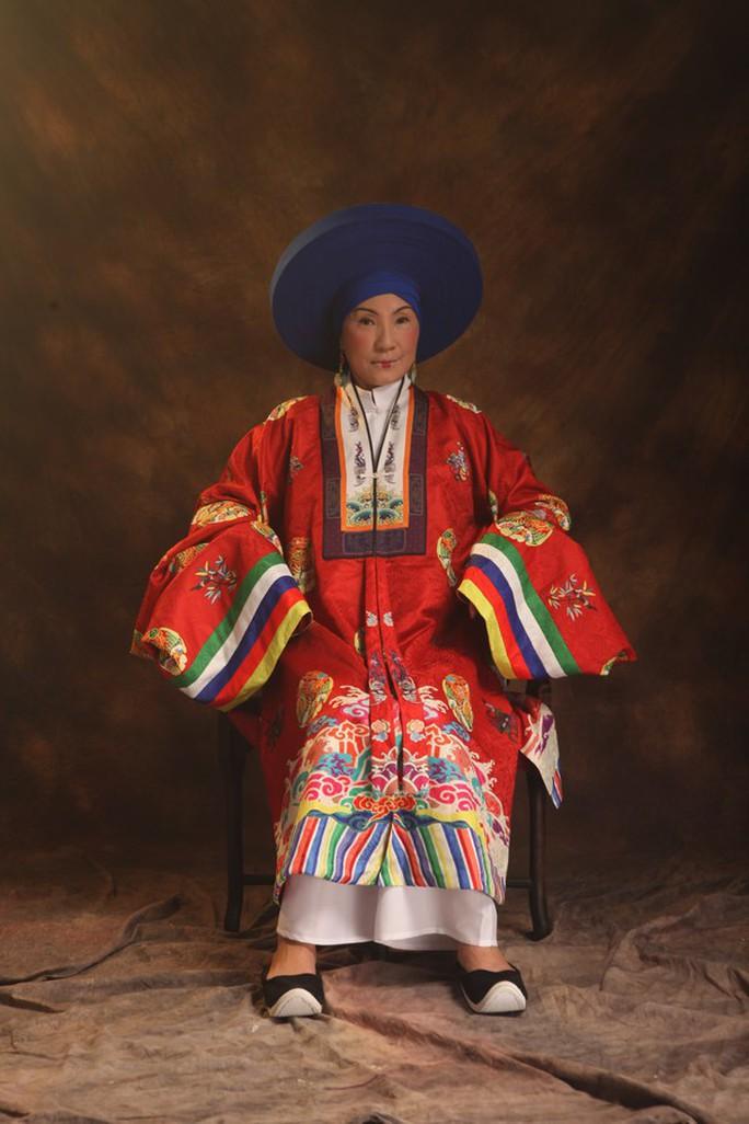 Vân Trang khác lạ khi hóa Hoàng hậu Lệ Thiên Anh - Ảnh 11.