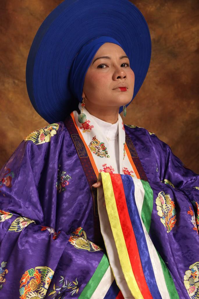 Vân Trang khác lạ khi hóa Hoàng hậu Lệ Thiên Anh - Ảnh 6.