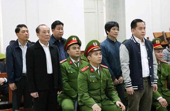 2 cựu thứ trưởng Bộ Công an bị tuyên phạt 30-36 tháng tù; Vũ nhôm nhận 15 năm tù - Ảnh 1.