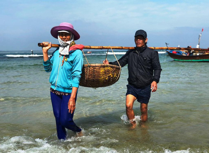 Cận Tết, ngư dân Quảng Ngãi trúng đậm mùa ruốc - Ảnh 5.
