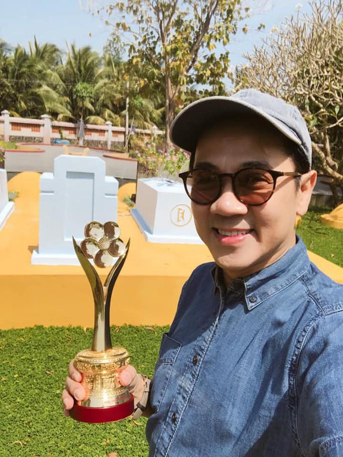 Mang tượng Mai Vàng về Bến Tre, NSƯT Thành Lộc tạ ơn cụ Đồ Chiểu - Ảnh 1.