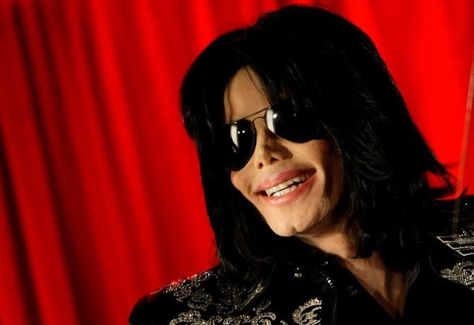 Gia đình phản ứng phim tài liệu tố Michael Jackson ấu dâm - Ảnh 1.