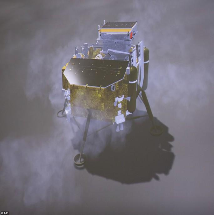 Vì sao con người không thể nhìn thấy vùng tối của mặt trăng? - Ảnh 1.