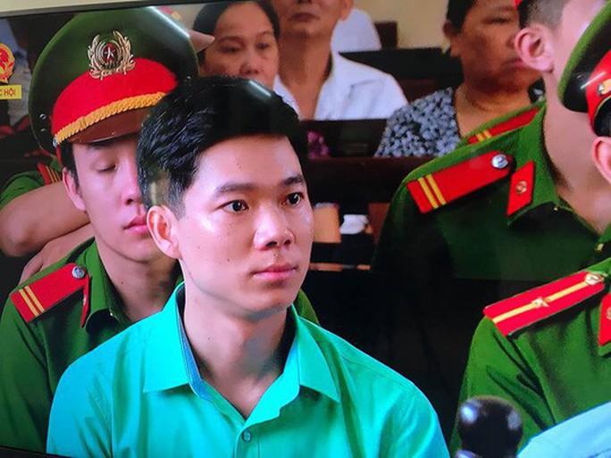 Bác sĩ Hoàng Công Lương nhận 42 tháng tù - Ảnh 1.