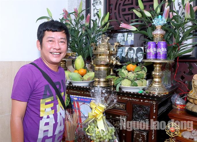 Nghệ sĩ họp mặt ôn lại kỷ niệm với hoàng đế dĩa nhựa Tấn Tài - Ảnh 1.