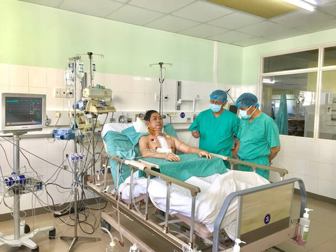 Hồi hộp với ca ghép tim xuyên Việt đầu năm mới - Ảnh 1.