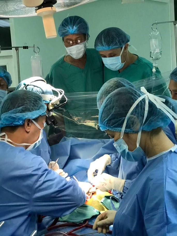 Hồi hộp với ca ghép tim xuyên Việt đầu năm mới - Ảnh 4.