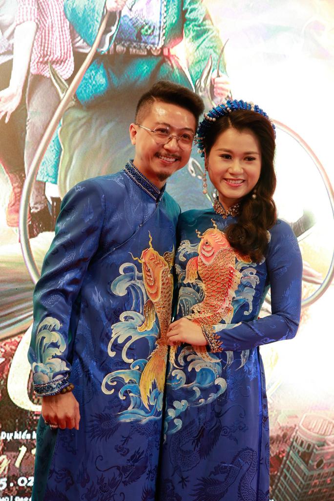 Vợ chồng Lâm Vỹ Dạ - Hứa Minh Đạt mang 2 con đến Táo quậy - Ảnh 4.