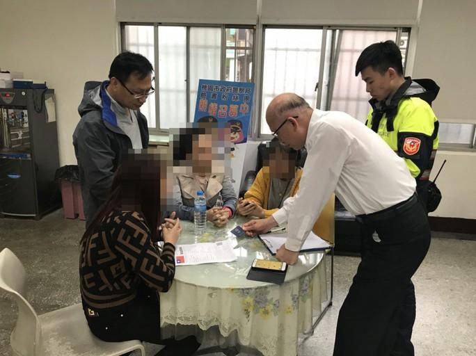 Đài Loan treo thưởng tìm du khách Việt mất tích - Ảnh 1.