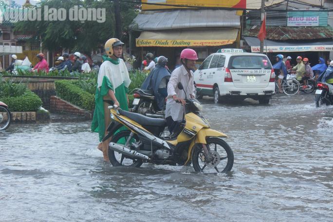 Bạc Liêu, Cà Mau ngập kỷ lục do ảnh hưởng bão số 1 - Ảnh 5.
