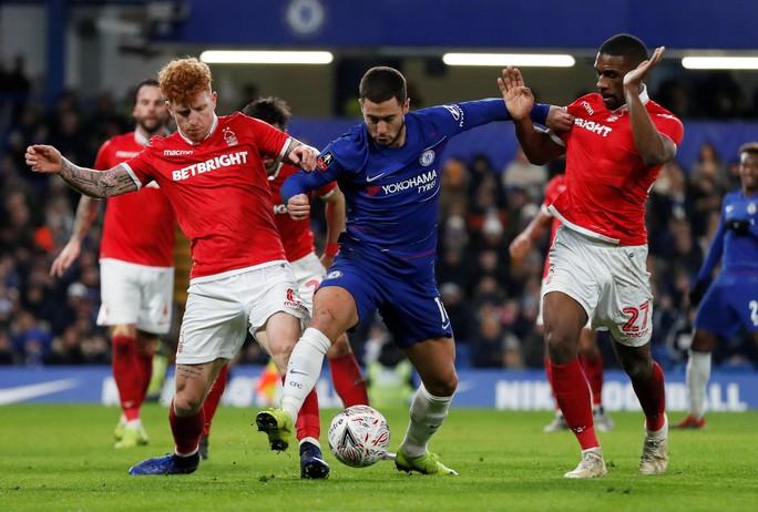 Chelsea tìm niềm vui trong ngày chia tay Fabregas - Ảnh 1.