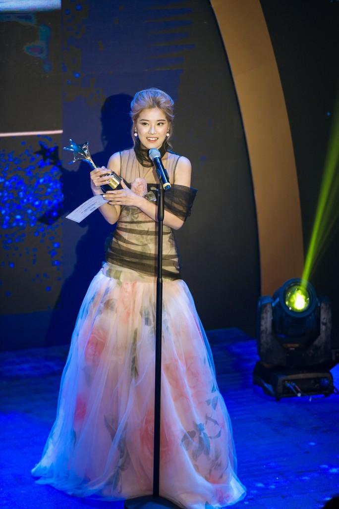 2 ngày, Hoàng Yến Chibi nhận  3 giải thưởng nghệ thuật - Ảnh 1.