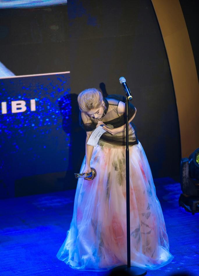 2 ngày, Hoàng Yến Chibi nhận  3 giải thưởng nghệ thuật - Ảnh 2.