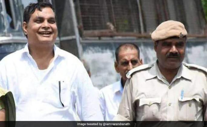 Ấn Độ: Hàng loạt chính trị gia và quan chức bị điều tra tội cưỡng hiếp - Ảnh 1.