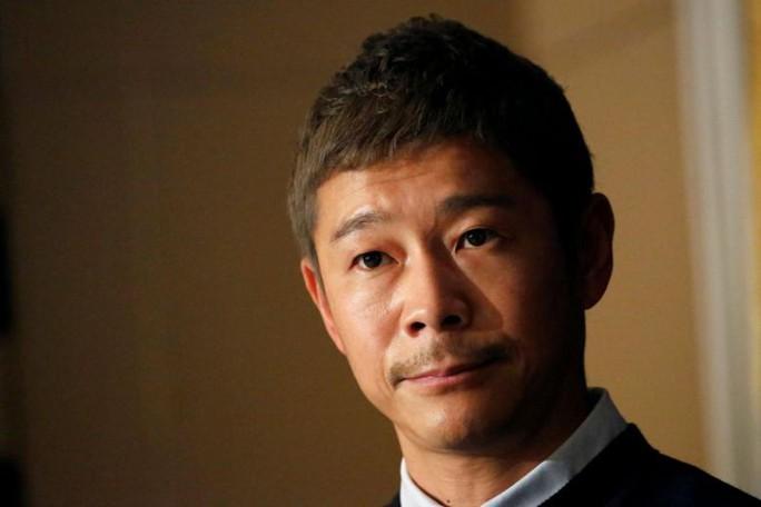 Tỉ phú Nhật Bản chơi sốc, hứa thưởng gần 1 triệu USD cho cư dân mạng - Ảnh 2.