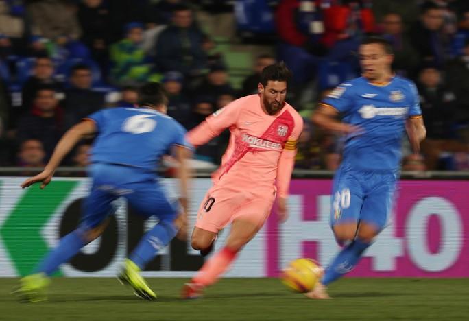 Messi và Suarez giúp Barcelona gia tăng cách biệt với nhóm sau - Ảnh 1.
