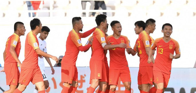 Clip: Hàn Quốc thắng nhọc Philippines, Trung Quốc may mắn hạ Kyrgyzstan - Ảnh 3.