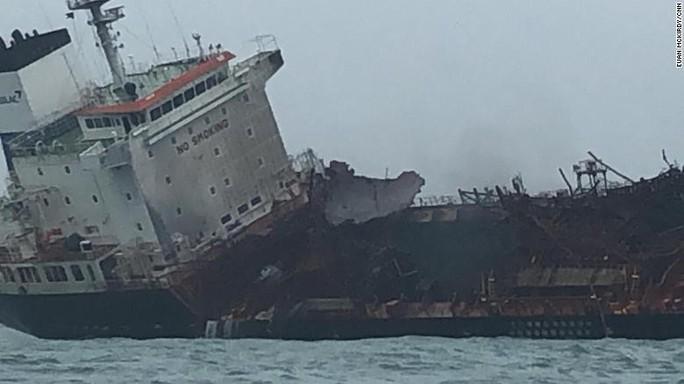 Tàu chở dầu treo cờ Việt Nam phát nổ sau khi rời Trung Quốc, ít nhất 1 người chết - Ảnh 4.